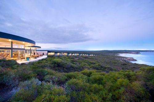 South Ocean Lodge_OZ_2b-lodge-sunset