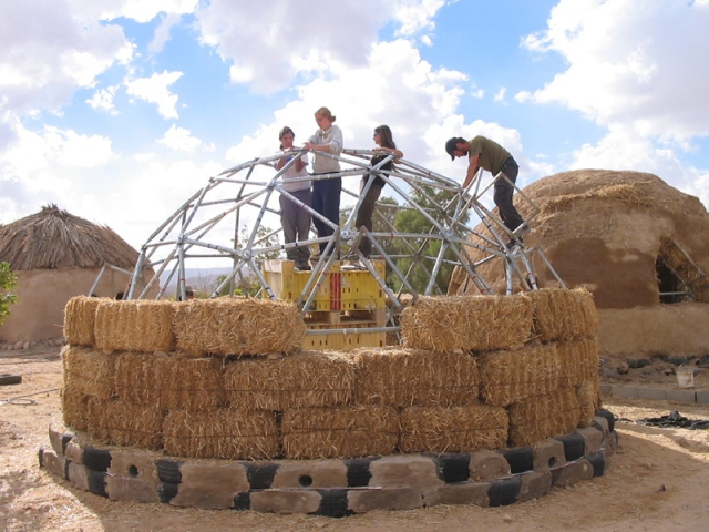 Lotan Green Apprenticeship - Building the abobe domes