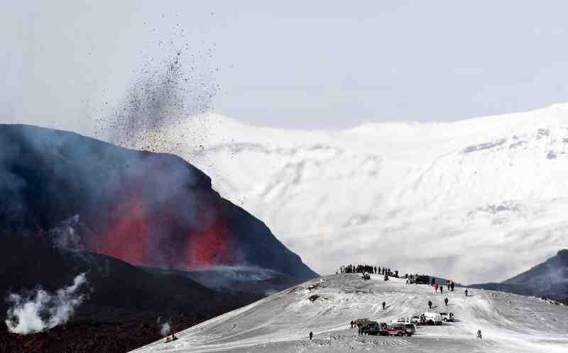 iceland volcano eruption 2011. Iceland Volcano Eruption Video